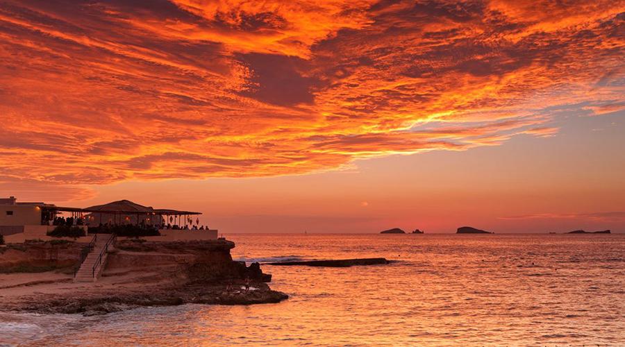 Zachody słońca na Ibizie – Sunset Ashram